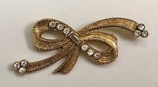 Vintage Beautiful Ladies Brooch Pin ~ Gold Tone Bow w/Clear Rhinestones Jewelry