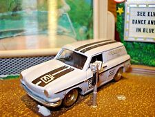 VW VOLKSWAGEN CUSTOM SQUAREBACK 1/64 LIMITED EDITION RACE CAR HW DETAILED LIGHTS