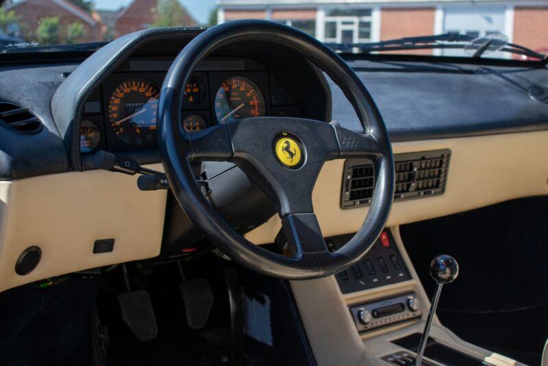 Ferrari Mondial t - 12