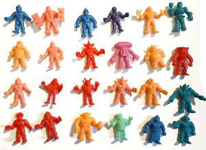 MUSCLE-figure-lot-of-24-color-variants-minifig-m-u-s-c-l-e-kinnikuman-01