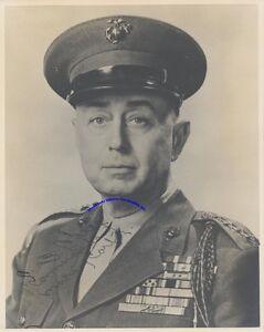 WW2-Marine-general-Clifton-Cates-signed-8-034-x-10-034-photo-in-Marine-uniform