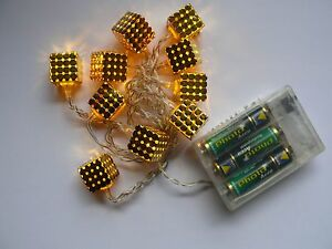 LED-Motiv-Lichterkette-034-Wuerfel-034-10-warmweisse-LEDs-Batteriebetr-Metallwuerfel