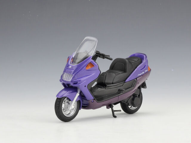 1:18 Welly 1999 YAMAHA MAJESTY YP250DX Motorcycle Bike Model New in Box