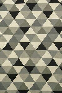Dekostoff-Gobelin-Taschenstoff-Vilosa-Motiv-Dreiecke-Baumwollmischung-140cm