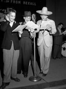 OLD-CBS-RADIO-PHOTO-Radio-Program-The-Durante-Moore-with-Bing-Crosby-4