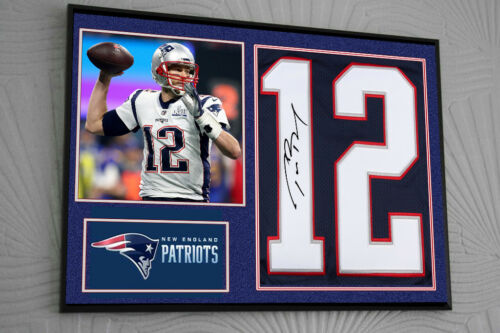 Tom Brady New England Patriots Framed Canvas Portrait Signed Great Gift