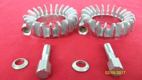 58-71 TRIUMPH 500 FINNED EXHAUST CLIPS W//BOLTS /& WASHERS 70-4947 E-1270 UK MADE