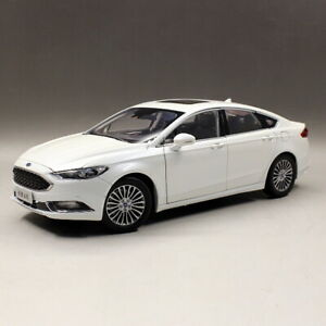 1-18-Scale-Ford-Mondeo-Fusion-2017-White-DieCast-Car-Model-Toy-Collection