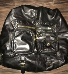f5090b5a105 Image is loading Authentic-Gucci-Large-Darwin-Black-Leather-Backpack-Style-