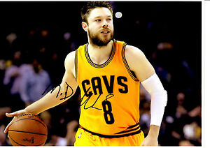 MATTHEW DELLAVEDOVA HAND SIGNED ACTION PHOTOGRAPH UNFRAMED + PHOTO PROOF C.O.A