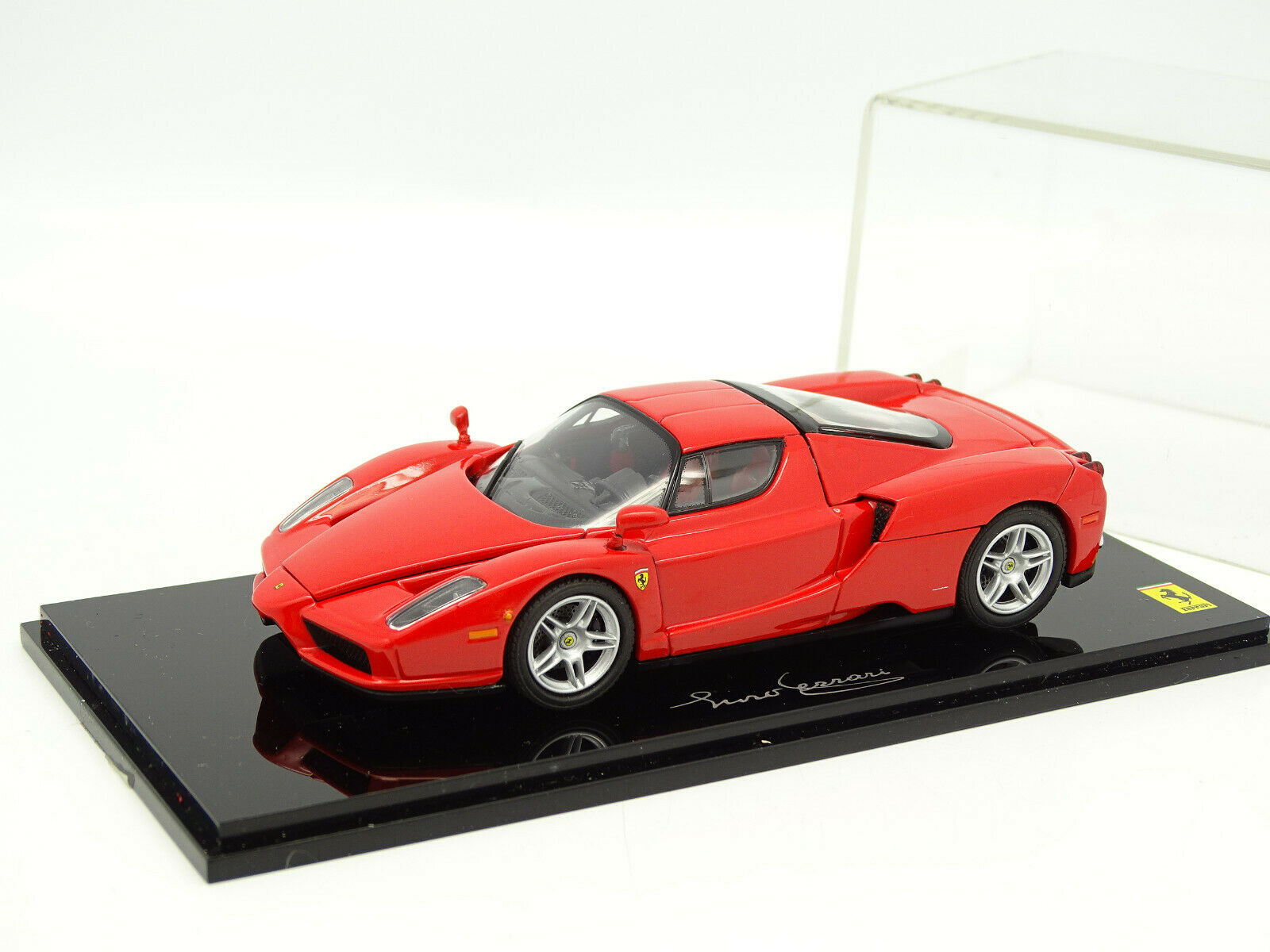 Kyosho 1 43 - Ferrari Enzo Rouge