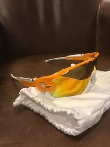 255f6cfa7b Oakley Jawbreaker Atomic Orange Fire Iridium Polarized 888392090478 ...