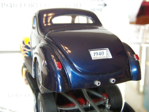Danbury Mint 1:24 1940 Ford Deluxe Coupe Hot Rod     Rod /& Custom Series