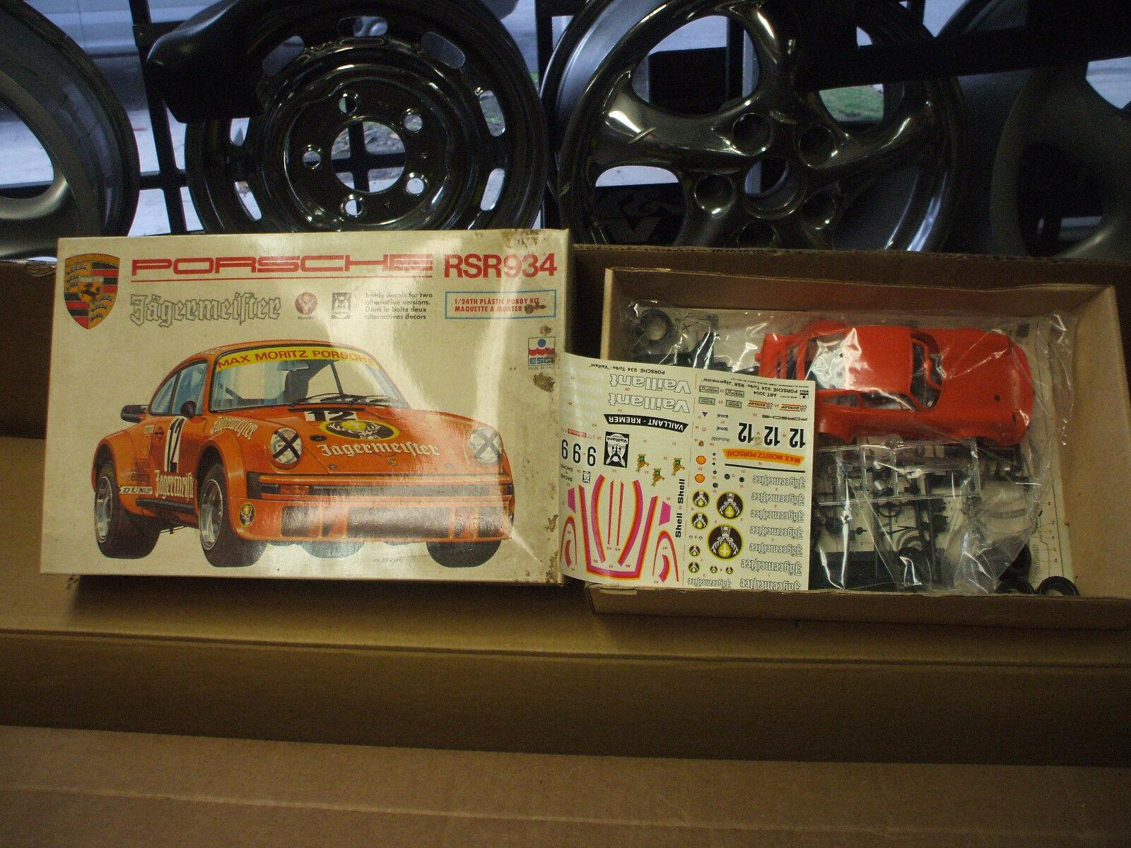 PORSCHE NEW IN IN BOX MODEL PORSCHE RSR 934 PORSCHE