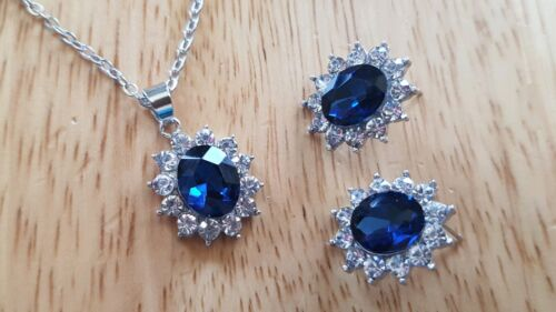 Stunning Silver And Sapphire Coloured Necklace And Earring Gift Set
