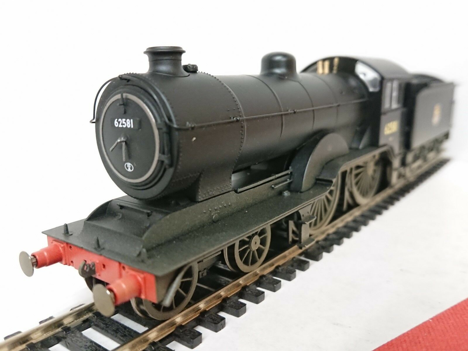 Hornby R3303 BR (Early) 4-4-0 D16 3 No. 62581 (Weathered) DCC Ready