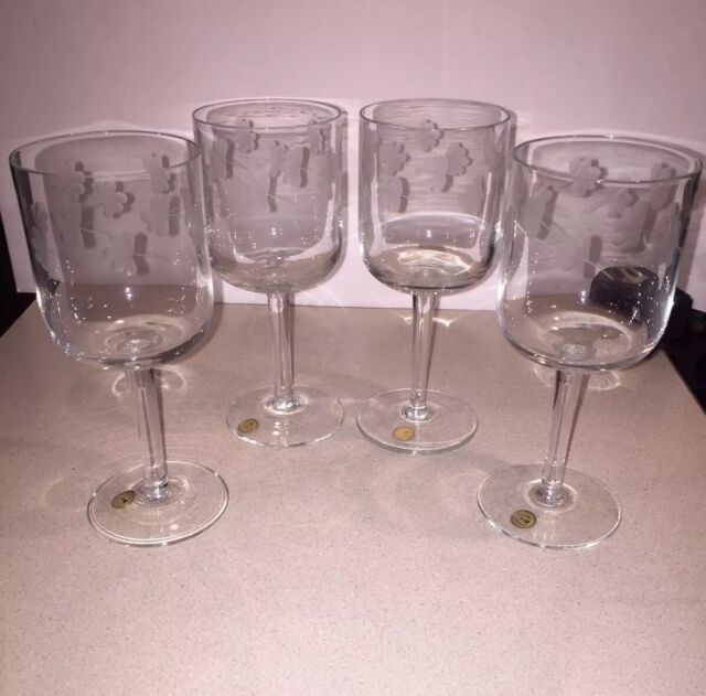 Set of 4 Wine Glasses Made in Romania Elegant Cut Etched Crystal Stemware