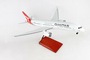 1-100-QANTAS-B787-9-WITH-GEAR-amp-STAND