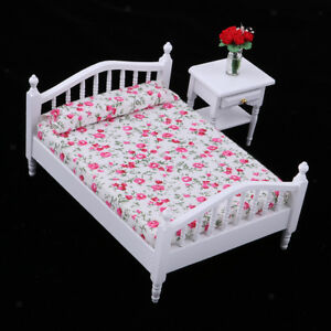 1:12 Dollhouse Miniature Metal Floral Double Bed for Bedroom Furniture Decor