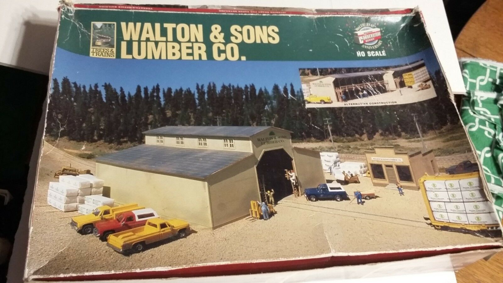 Walthers  HO,Walton & Sons Lumber Co.Kit, Lumber Yard, Cornerstone series