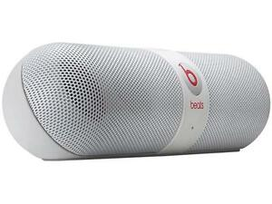 Beats by Dr. Dre Pill 2.0 Bluetooth Wireless Portable Speaker (White) - A Grade