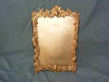 Beau Cadre porte photo en laiton repoussé, vers 1900 de style Rocaille