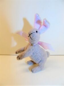 Miniature-Artist-made-non-jointed-Standing-Bunny-Rabbit-3-034-OOAK-by-Beth-Hogan