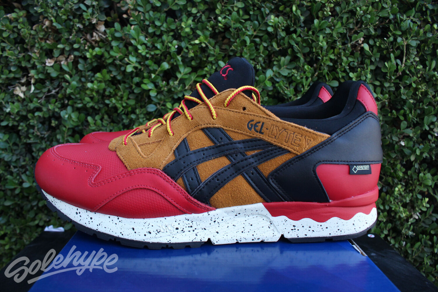 ASICS GEL LYTE V SZ 8.5 RED RED RED BLACK TAN GORETEX PACK HL6E2 2590 1e9dd7