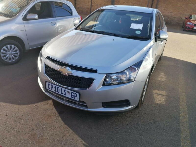 Chevrolet Cruze stripping for parts