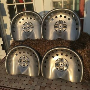 Lot-Of-4-Polished-Metal-Tractor-Seats-Rustic-Ranch-Farm-Wagon-Stool-Home-Antique