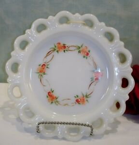 Anchor-Hocking-Lace-Edge-White-Milk-Glass-Hand-Painted-8-034-Plate-with-Roses