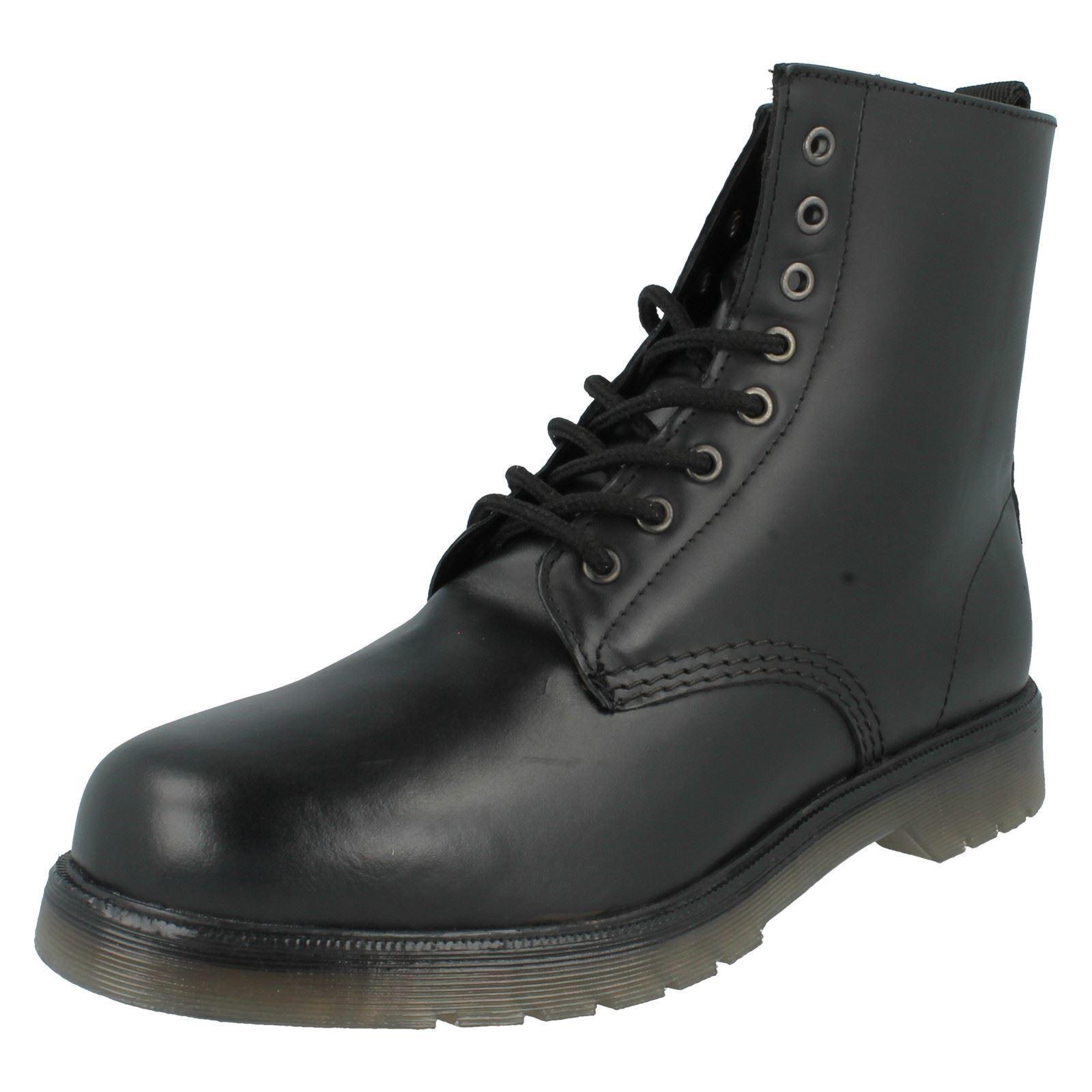 Men's Maverick Ankle Boots - 1900