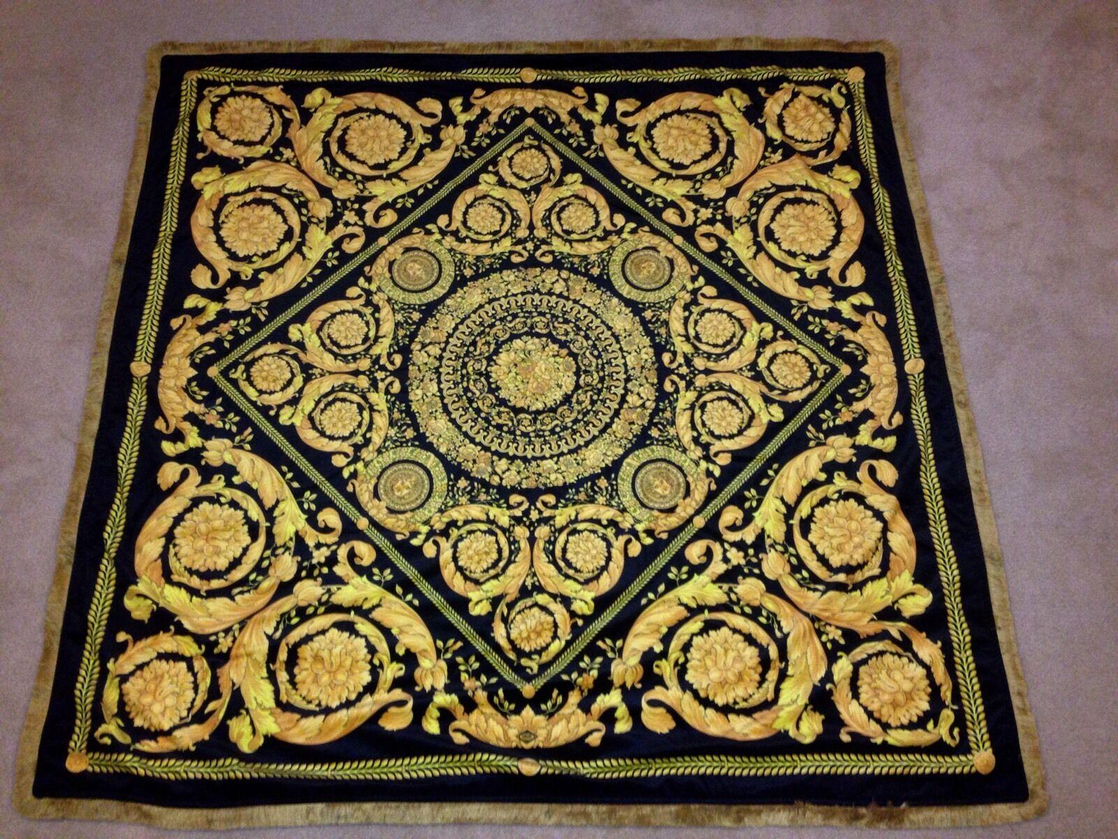 Medusa barocco negro y dorado de alta calidad de tejido de terciopelo Tirar