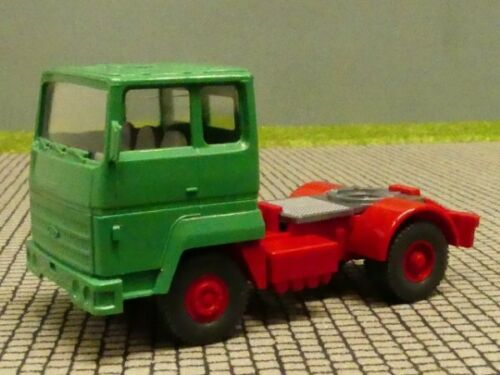 1//87 Wiking ford Trans Continental tractor verde