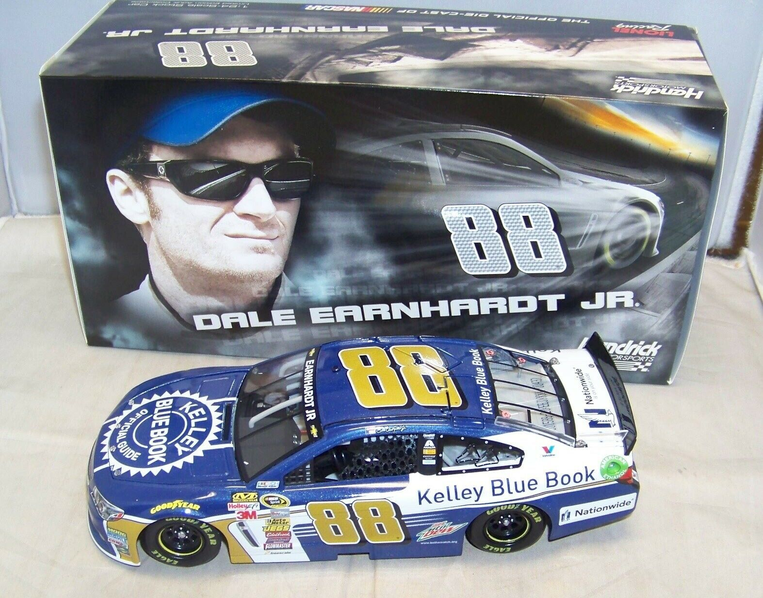 1 24 ACTION 2015 2015 2015 KELLY blueE BOOK CHEVY SS DALE EARNHARDT JR NIB 1 1753 1c32f3