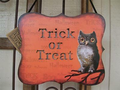 NWT Spooky OWL TRICK OR TREAT LED LIGHTS light up Wood HALLOWEEN Wall Sign