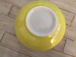 Large Mixing Bowl PYREX #404 But Says TM REG US PAT OFF 4 Qt Vintage