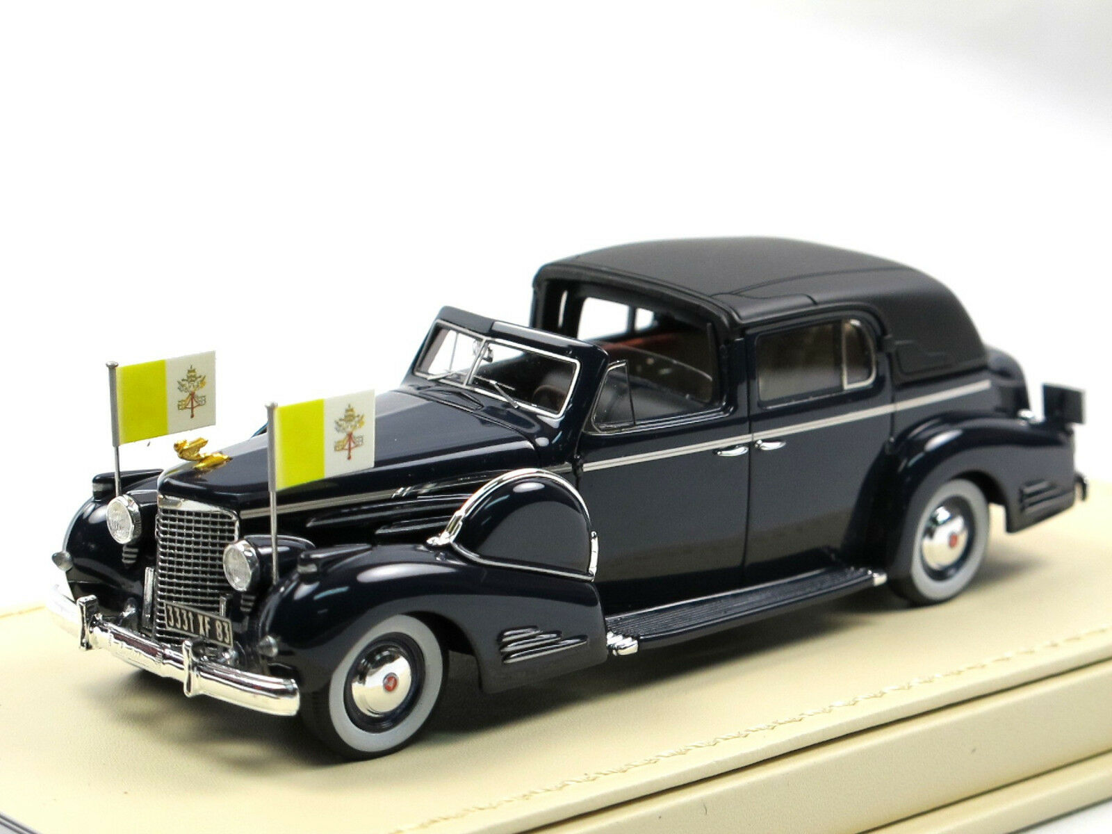 TSM 1938 Cadillac Series 90 V16 Vatican Town Car Papst (Pope) Pius XII 1 43