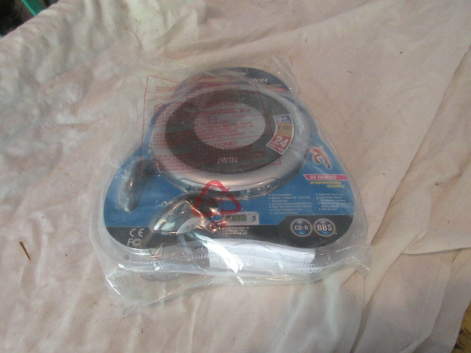 jWIN JX-CD338 Portable CD Player Bass Boost System 24 T