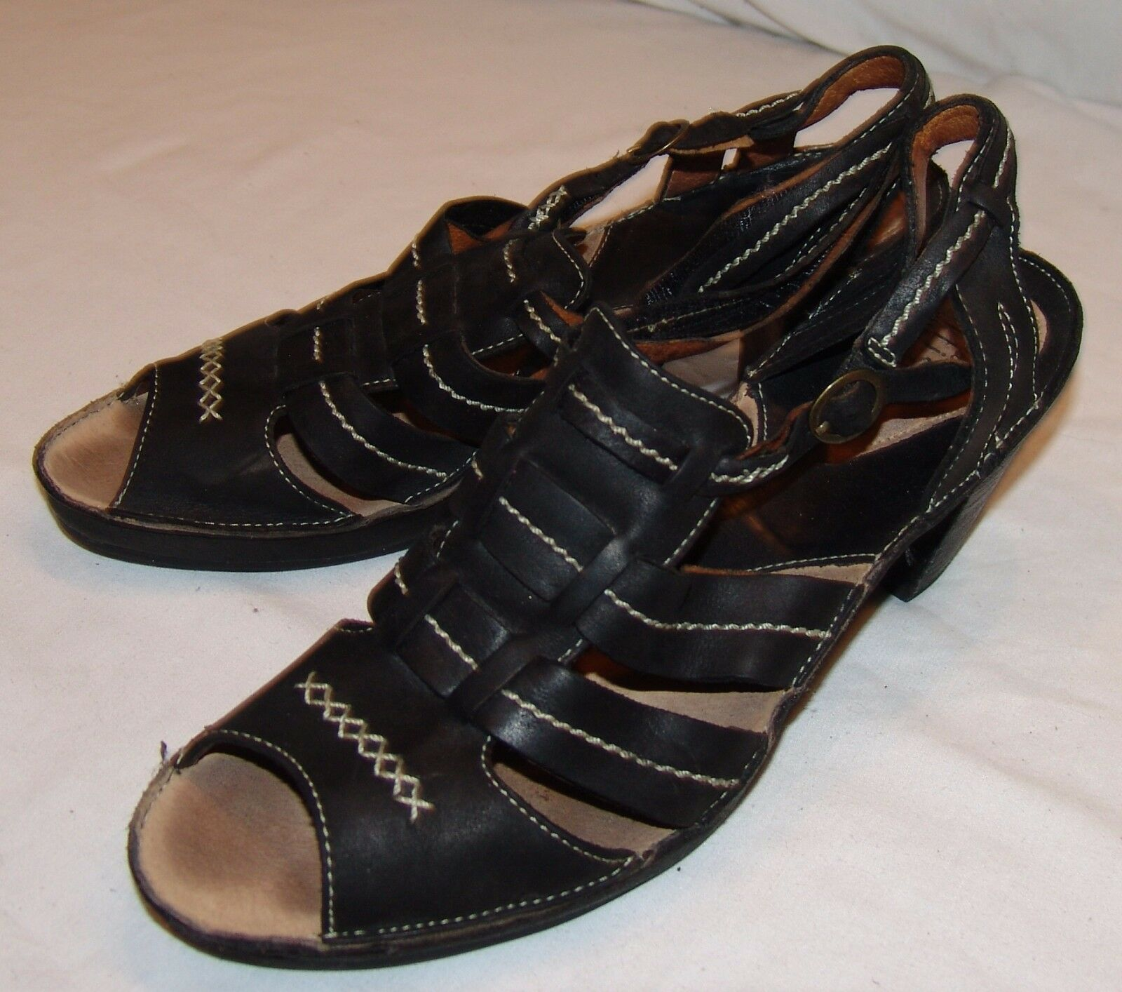 Clarks Artisan Black Leather Sandals 9M Womens Strappy Heels