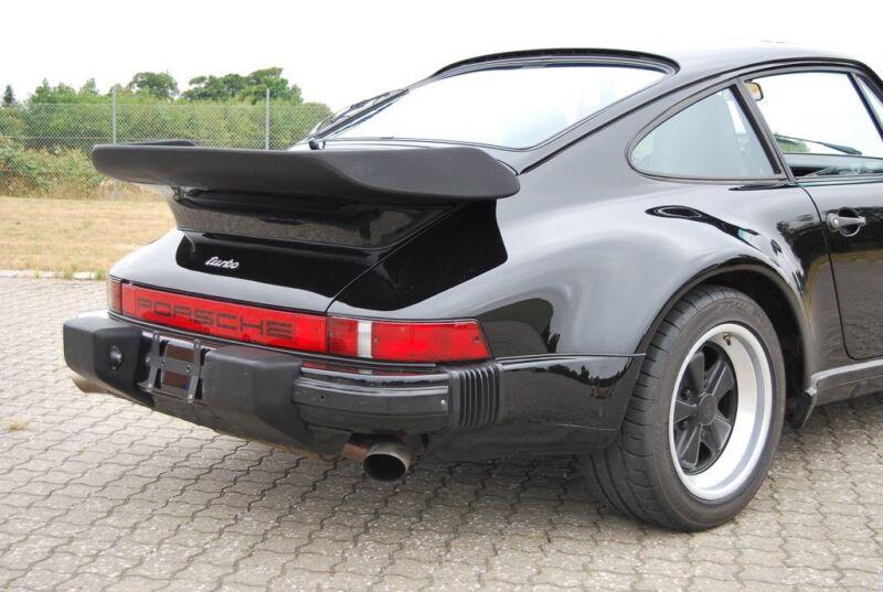 Porsche 911 Turbo - 17