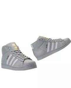 Gli Originali Adidas Modello Grigio / Bianco / Metallo (Oro Cg5073