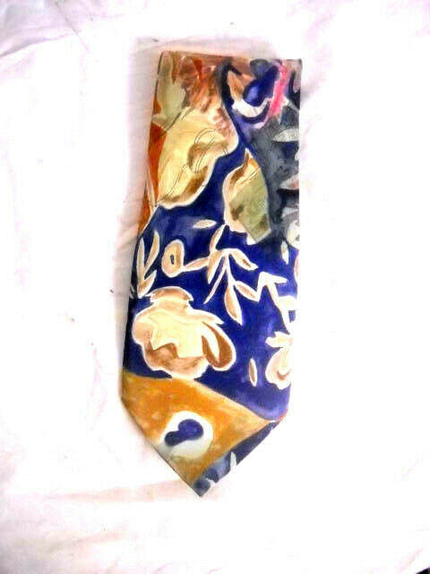GUCCI Mens TIE 100% SILK MADE IN ITALY BROWN BEIG… - image 1