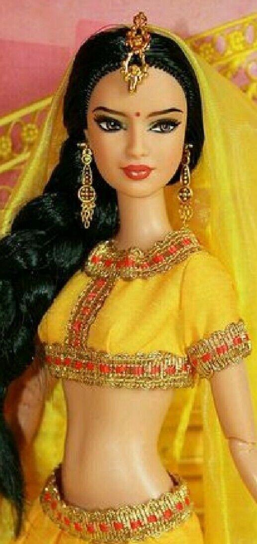 Barbie - DOTW - India Passport - Mattel 2012  - neu - NRFB