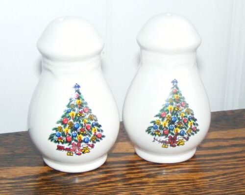 Christmas Tree Salt and Pepper Shakers Set