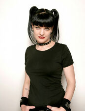 Pauley Perrette  10x 8 UNSIGNED photo - P748 - NCIS