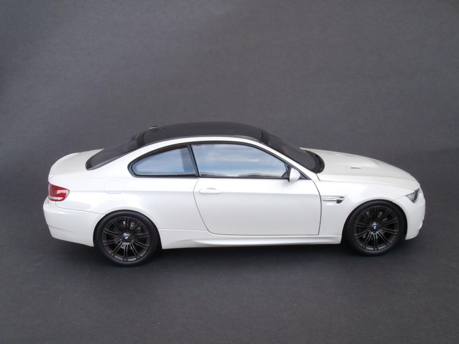 ci sono più marche di prodotti di alta qualità 1 18 Kyosho BMW M3 Coupe Pearl bianca bianca bianca - primero edizione - (No.08736W)  migliore vendita