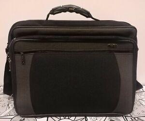 Borsa/Valigetta per documenti e computer. Colore nero. 45cm x 35cm