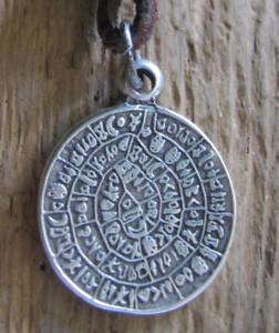 Herren-Amulett-Kette-neu-Surferschmuck-Lederkette-Phaistos-Scheibe-Halskette