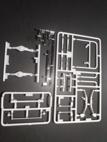 Revell 1957 57 Ford Gasser 1//25 front axle beam leaf spring chrome bumper parts